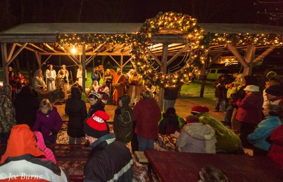 Fort Calhoun residents gather for a live nativity scene in Market Square.