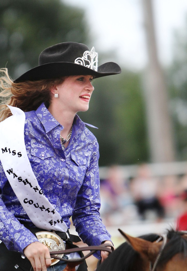 2014 Miss Washington County  Rodeo Elisabeth White.