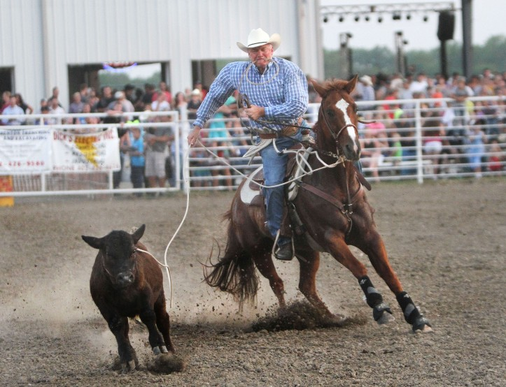 Joe Kimmel ropes calf Friday,