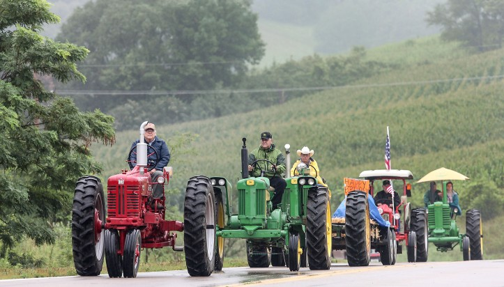 Saturday morning tractor ride along county roads west of Fort Calhoun.