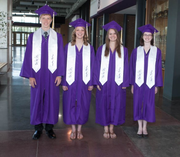 Senior top scholars Jonathon Grossoehme, Julia Lindgren, Regan Block, Katherine Garrett