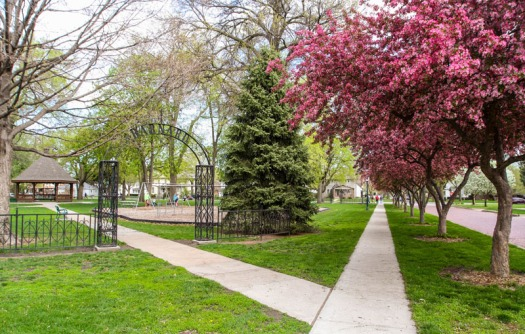 Barnard Park  is a beautiful little park just east of old downtown Fremont, and near the Midland College Campus.
