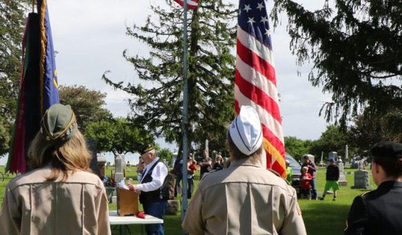Carl Lorenzen gives the Memorial Day address at the Blair service.