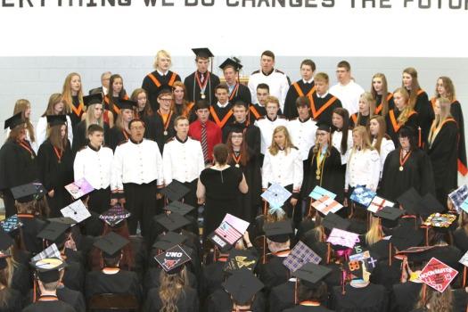 Fort Calchoun Concert Choir sings