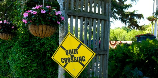 Country Quilts crossing sign