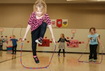 Deerfield kindergarten students jumping rope.