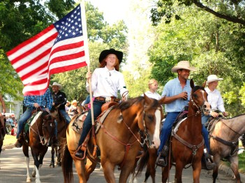 County Fari Rodeo Queen contestant Laura Schwehelm WCF Parade, Arlington