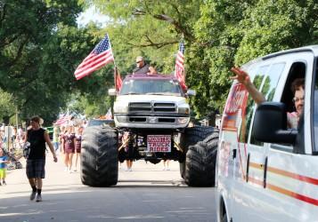 WCF Parade, Arlington
