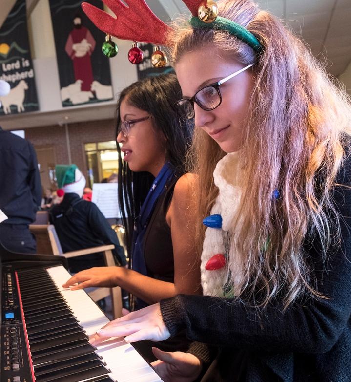 _Electric piano players 128536joeburns 185631